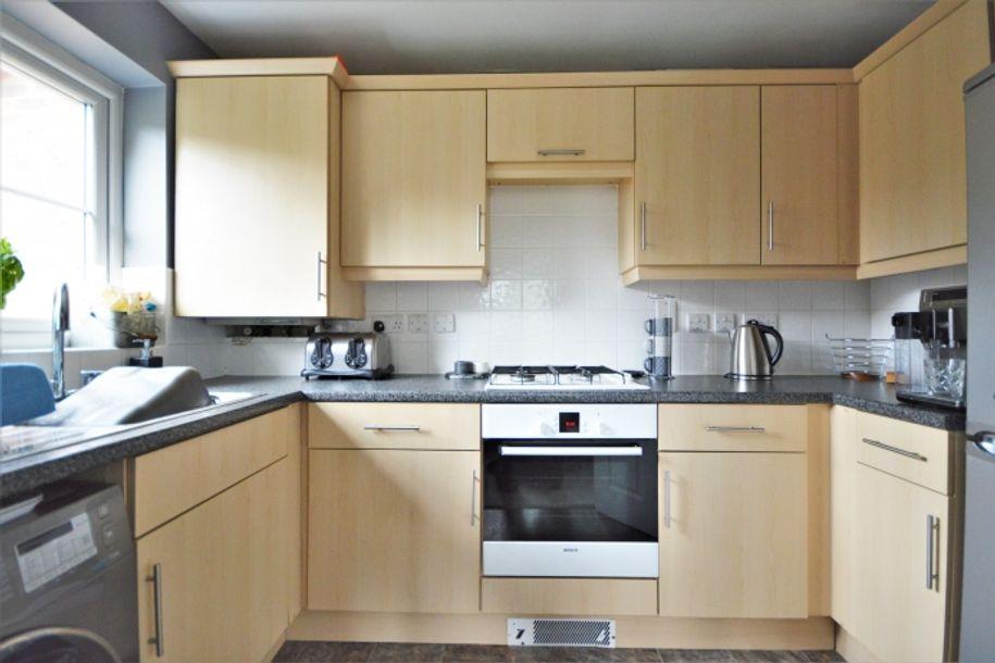 2 bedroom apartment in Wokingham - Wokingham