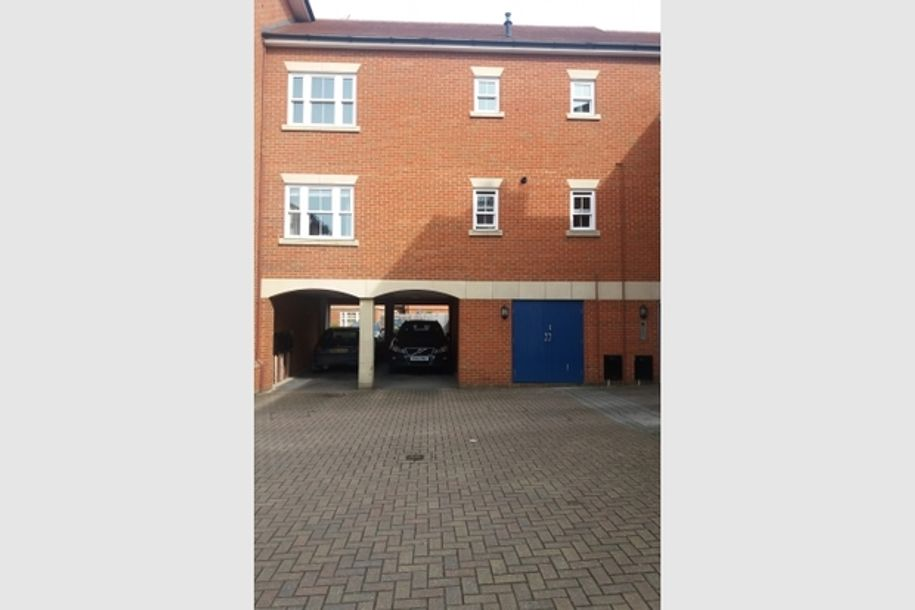2 bedroom house in Wantage