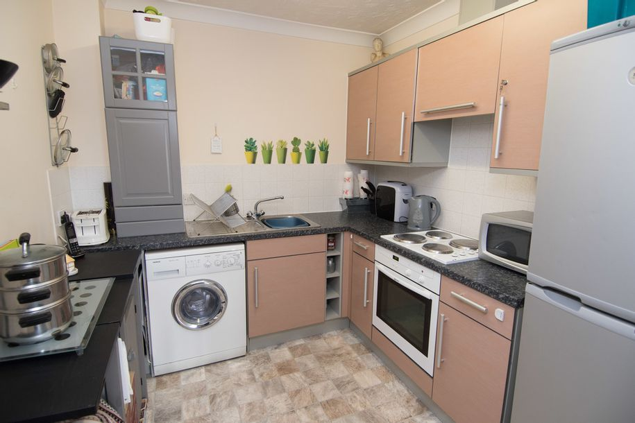2 bedroom apartment in Hampshire