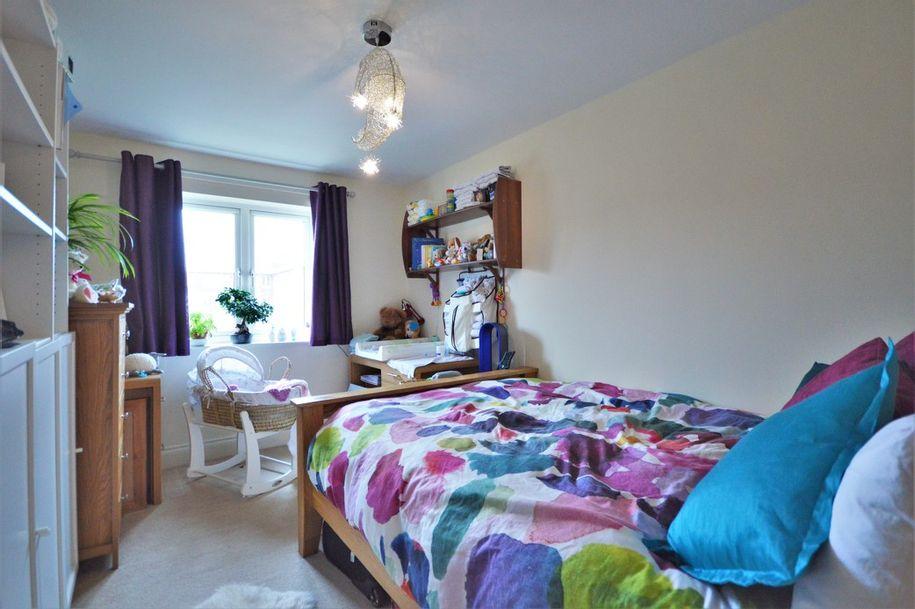 2 bedroom apartment in Maidenhead - Windsor and Maidenhead