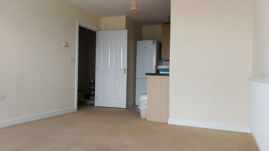 2 bedroom apartment in Slough