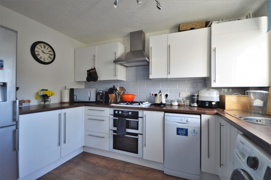2 bedroom house in Wokingham - Wokingham