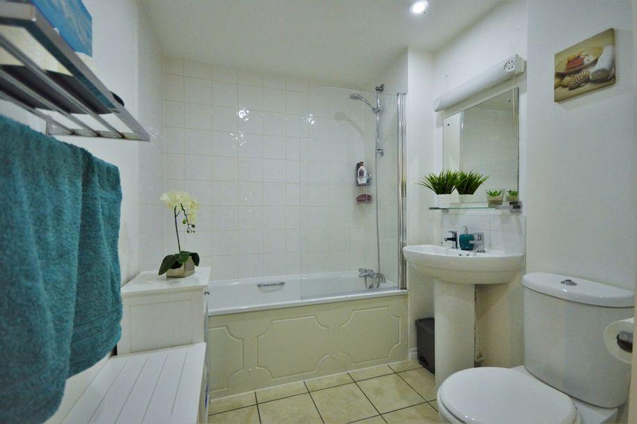 2 bedroom apartment in Buckinghamshire