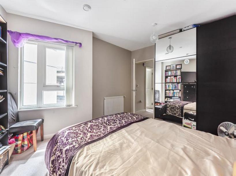 2 bedroom apartment in Croydon