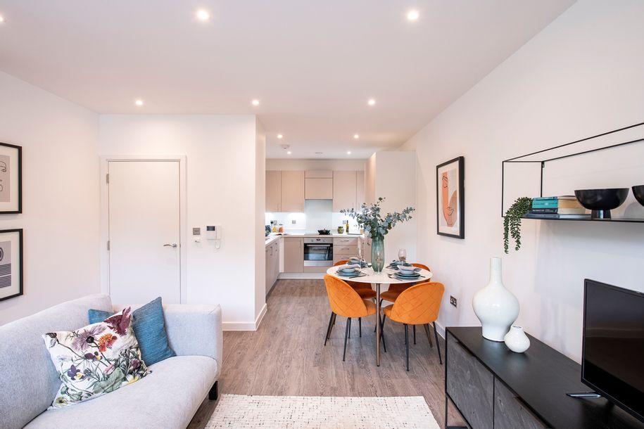 L&Q at Ridgeway Views - 2 bed apartment in Barnet