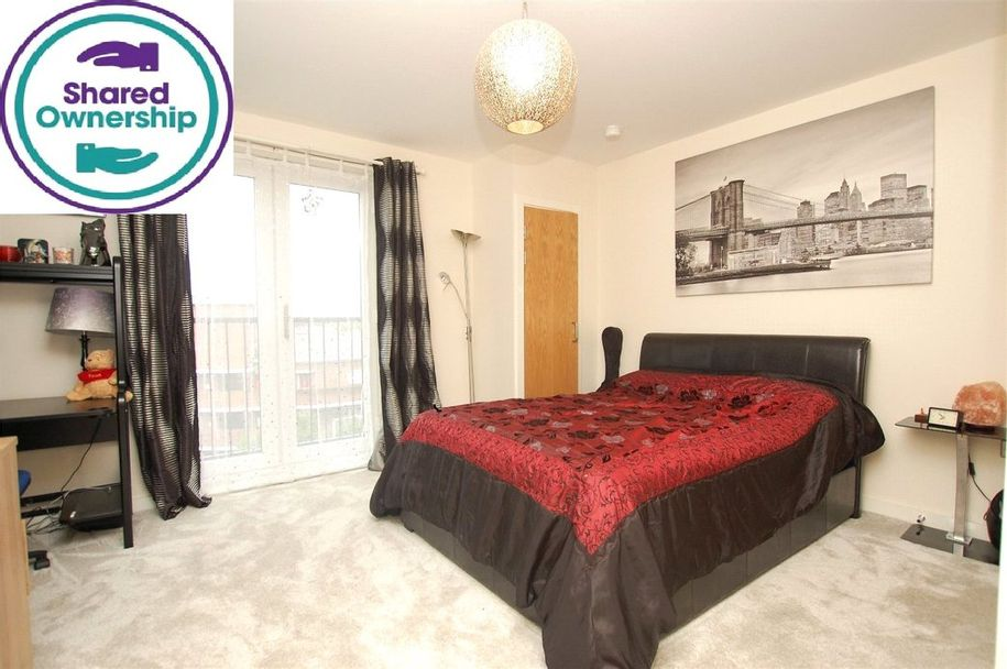 2 bedroom apartment in Havering