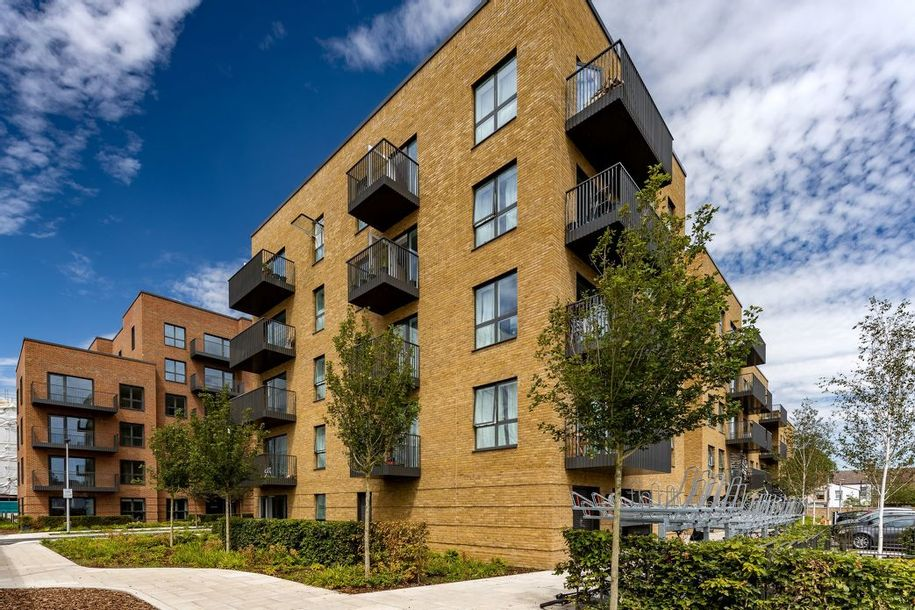 ARRO - 2 bed apartment in Ealing