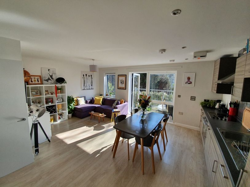 2 bedroom apartment in Hackney