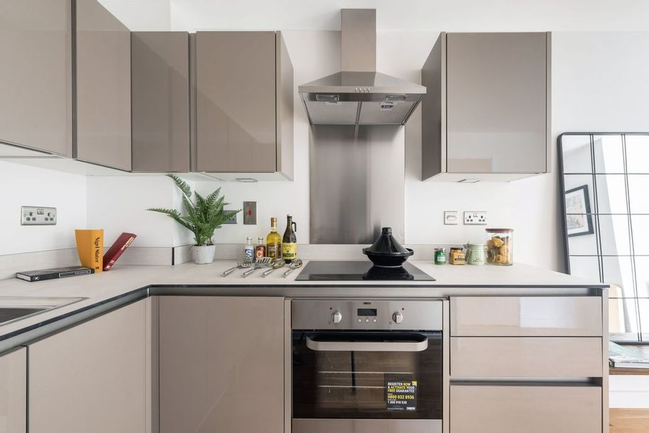 Windsor House, Sutton - 2 bed apartment in Sutton