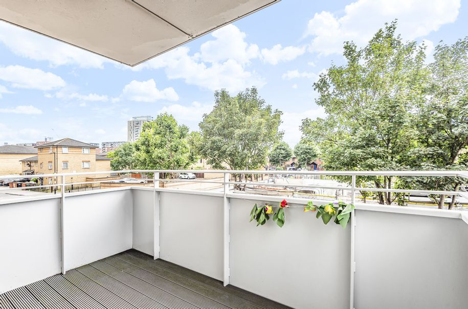 2 bedroom apartment in Tower Hamlets