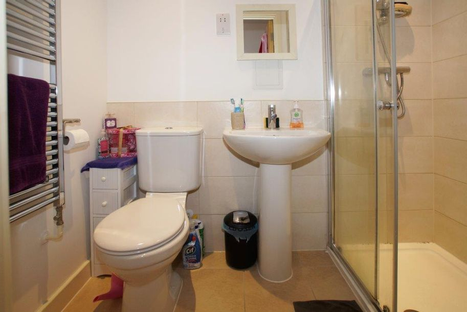 3 bedroom apartment in Waltham Forest