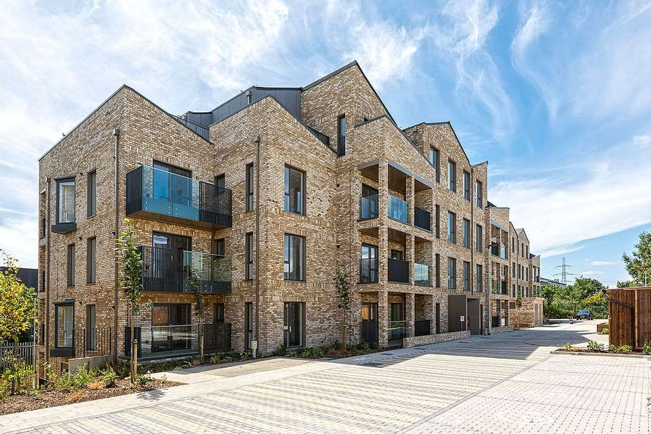 Fortescue Gardens - 2 bed apartment in Merton