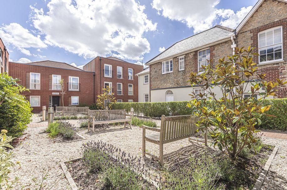 2 bedroom apartment in Midhurst - West Sussex