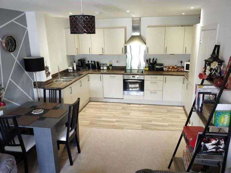 2 bedroom apartment in Sutton