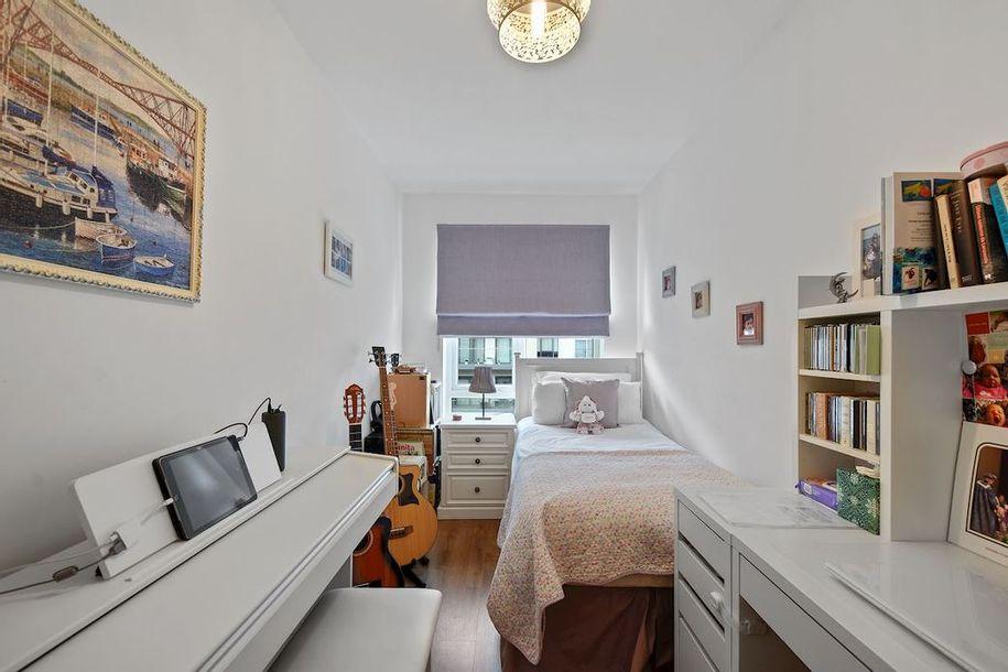 3 bedroom apartment in Barnet