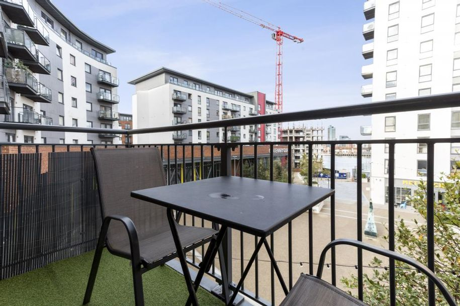 2 bedroom apartment in Woolston - City of Southampton