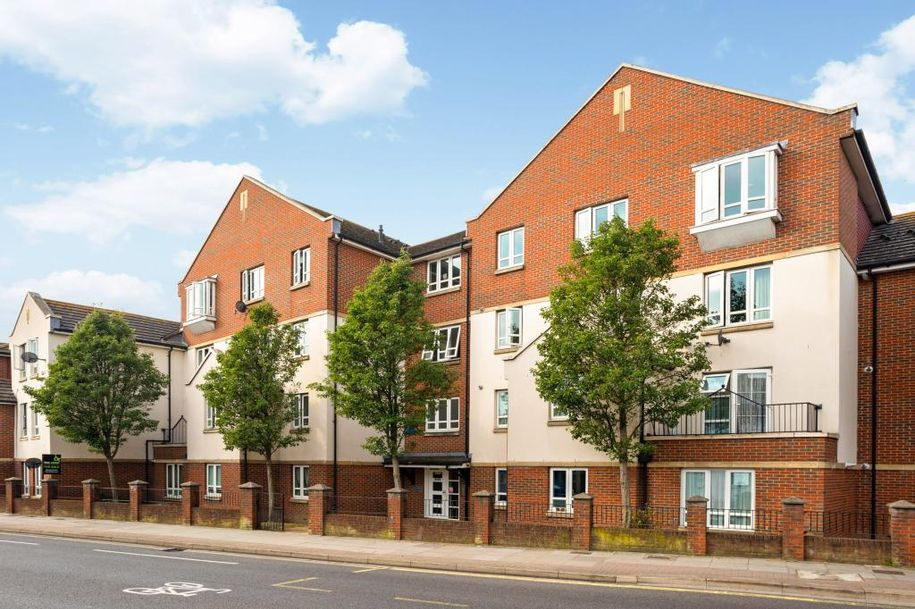 2 bedroom apartment in Portsmouth - City of Portsmouth