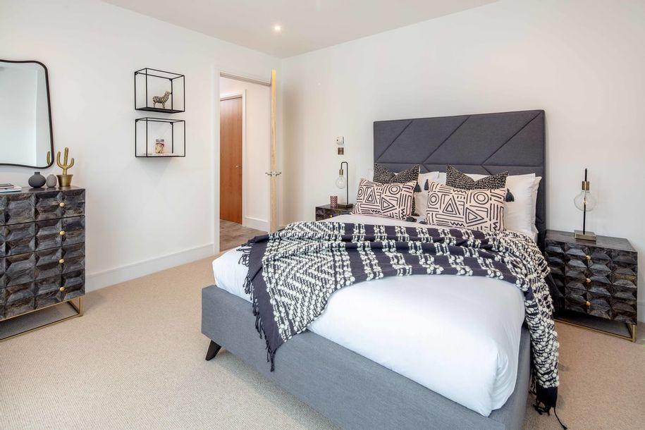 L&Q at Queens Quarter - 2 bed apartment in Croydon