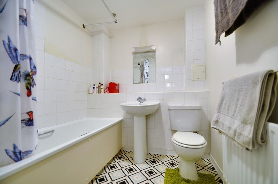 Resales - 1 bed apartment in Waltham Forest