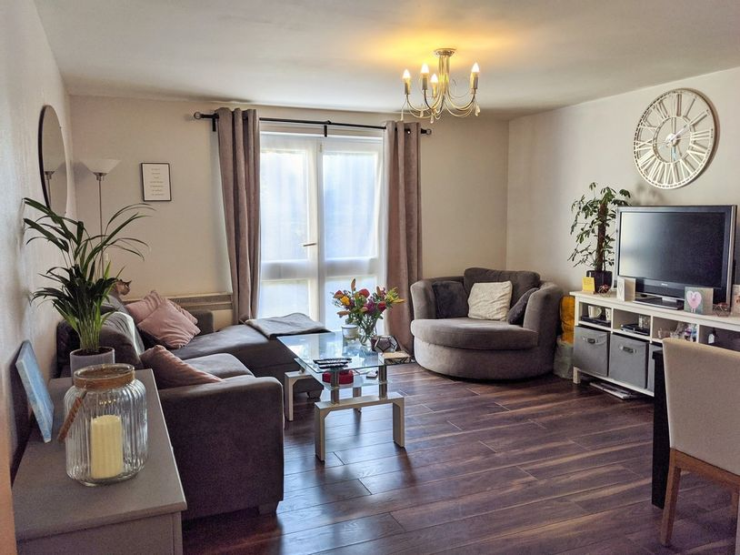 2 bedroom apartment in Croydon - Share to Buy