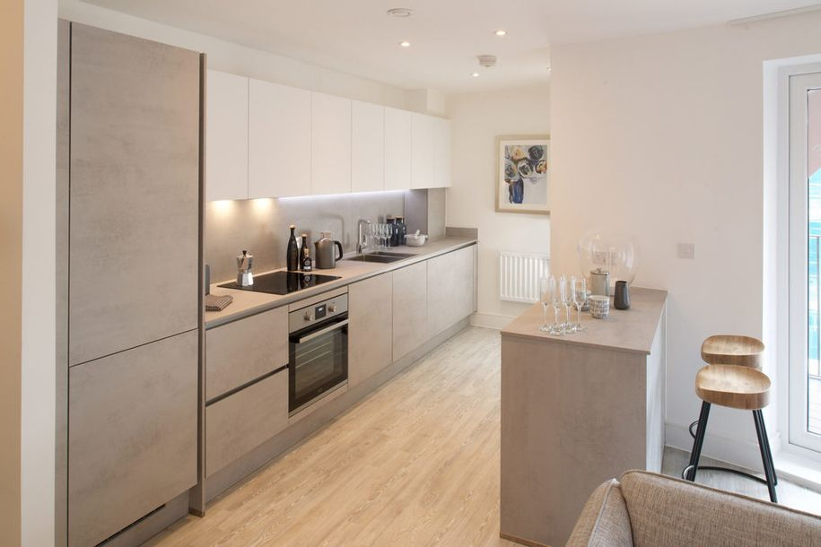 Centre Square - 2 bed apartment in High Wycombe
