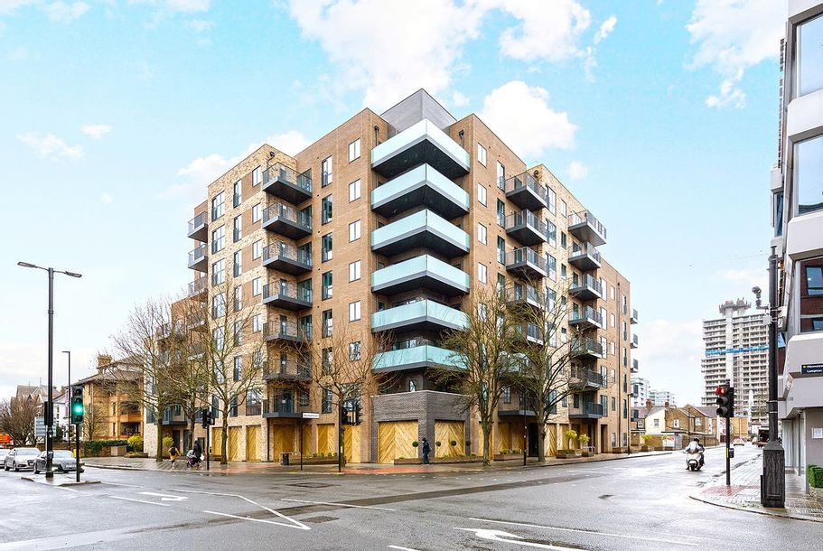 Eden House - 2 bed apartment in Hounslow