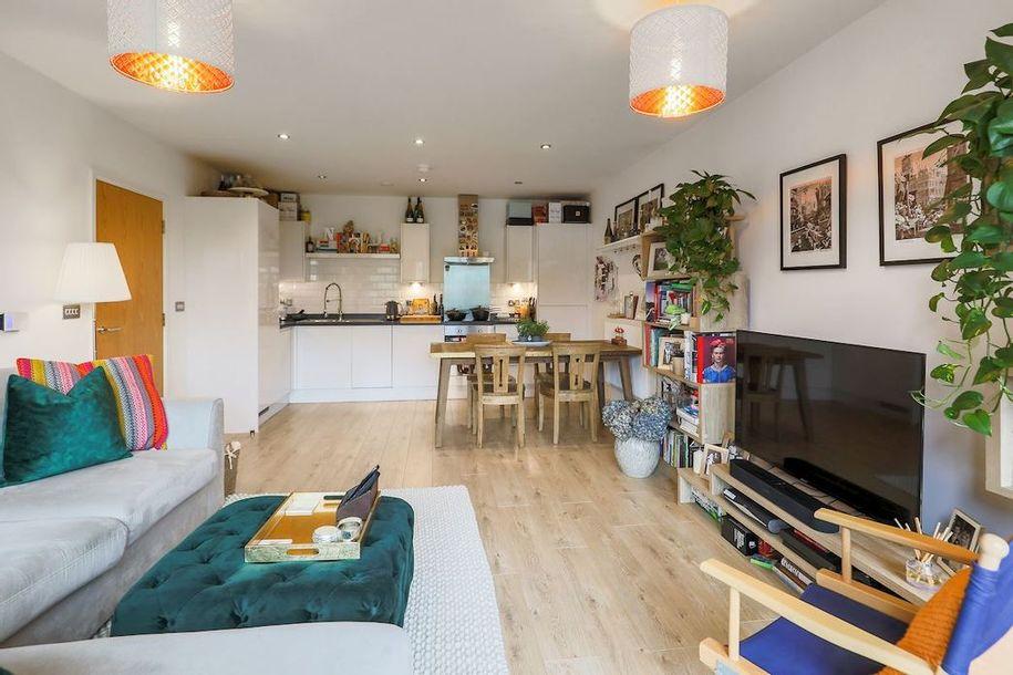 2 bedroom apartment in Lambeth