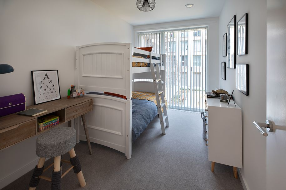 Explorers Wharf E14 - 3 bed apartment in Tower Hamlets