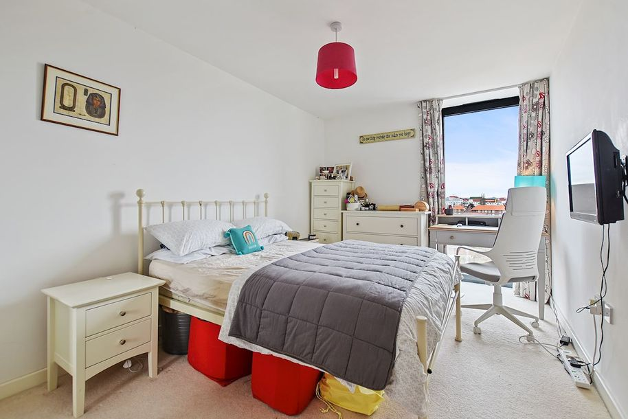 1 bedroom apartment in Hammersmith and Fulham