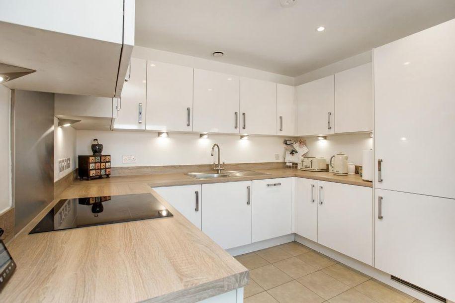 1 bedroom apartment in Longcross - Surrey