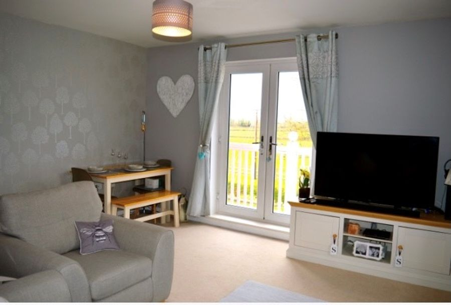 2 bedroom apartment in Southwater - West Sussex