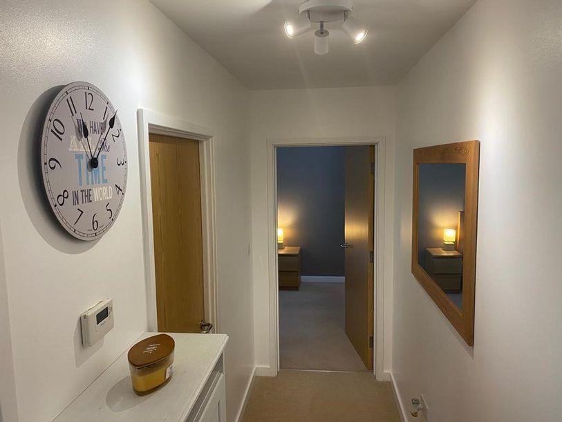 2 Claydon House - 2 bed apartment in Merrow - Surrey