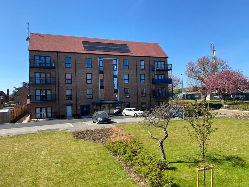 St Georges Park - 2 bed apartment in Havering