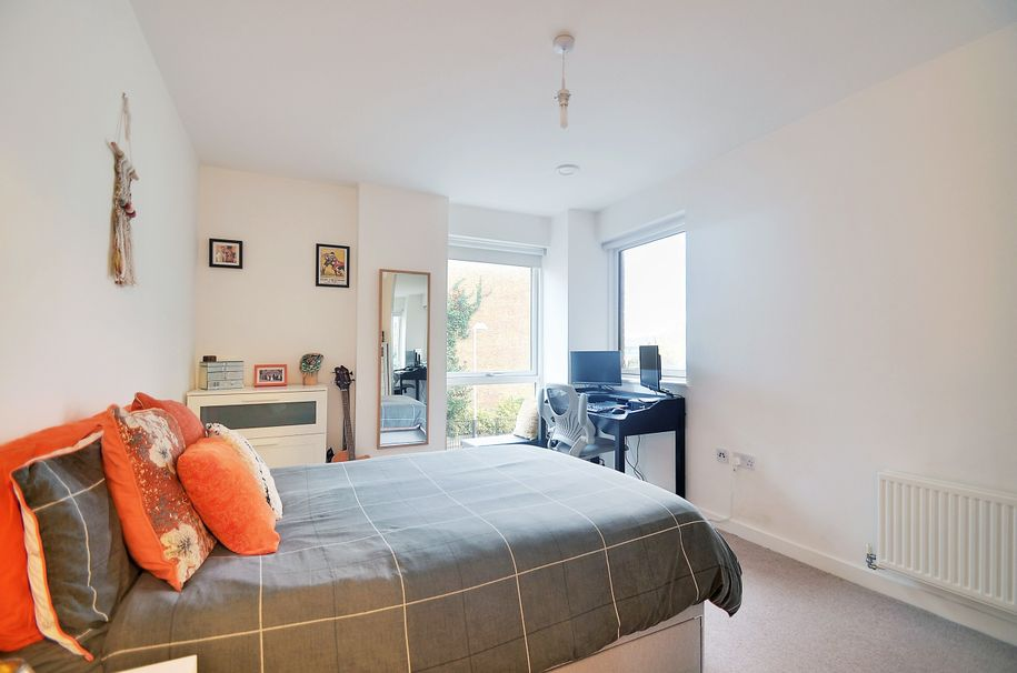Resales - 2 bed apartment in Tower Hamlets