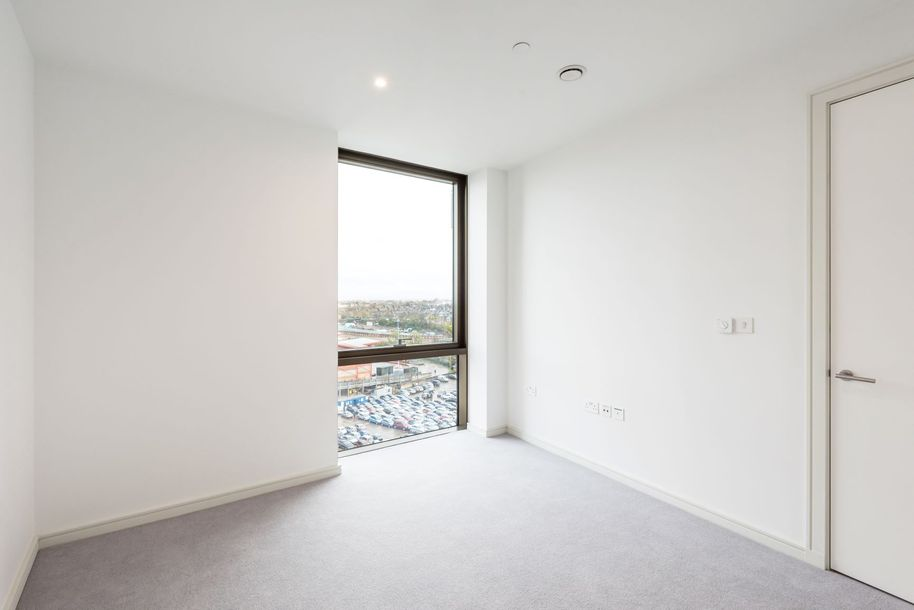 Waterway - 2 bed apartment in Wandsworth