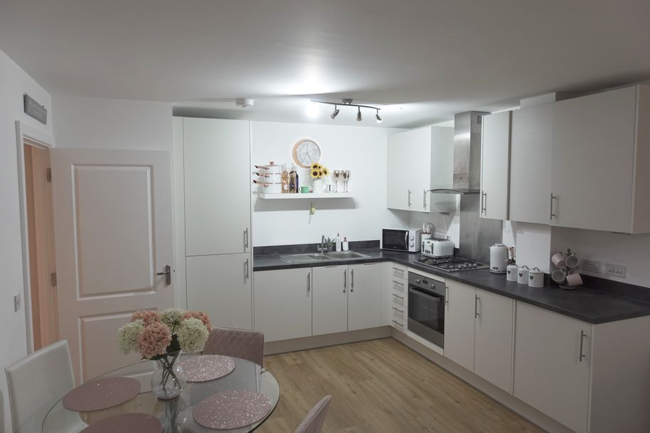 Riverside Court - 1 bed apartment in Waltham Abbey