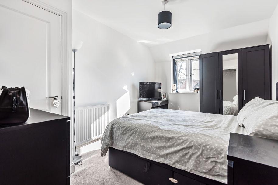 2 bedroom apartment in Cobham - Surrey