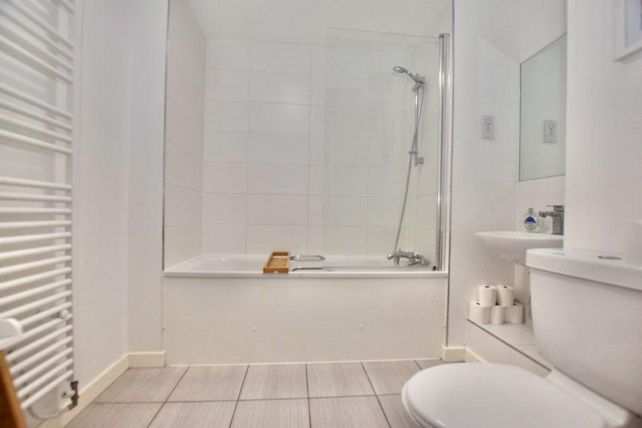 3 bedroom apartment in Lambeth